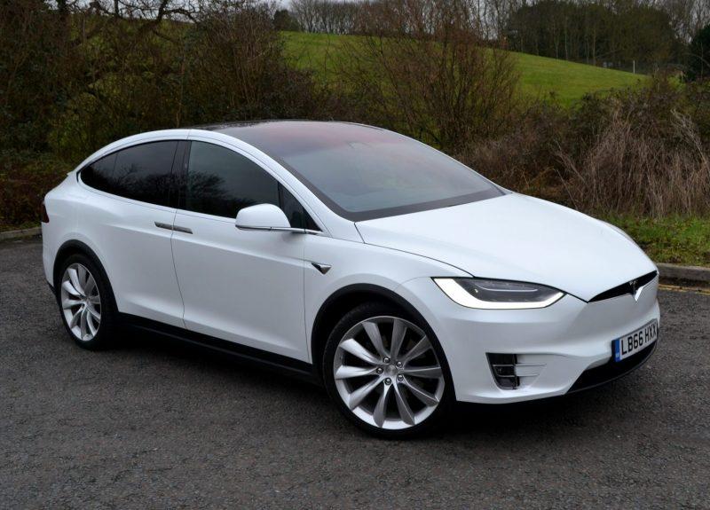 Tesla Model X 1.1