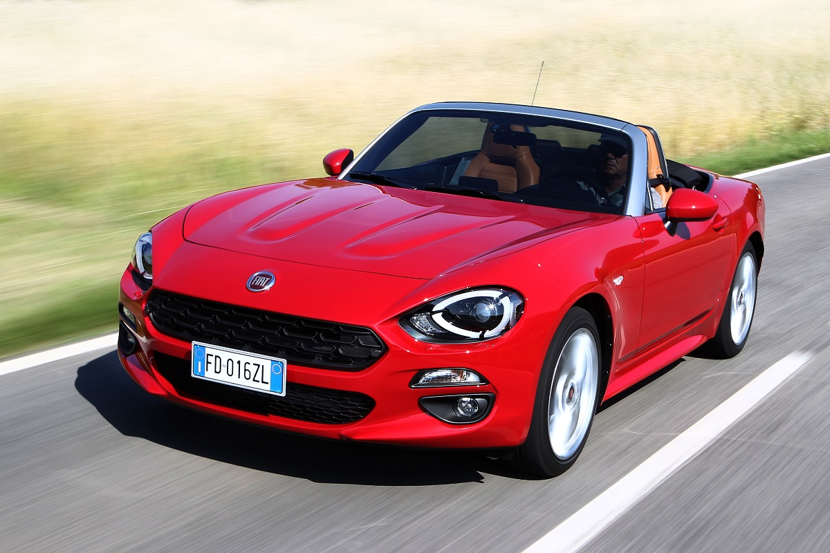 the fiat 124 spider the classic 60 39 s sports car brought bang up to date luxuria lifestyle. Black Bedroom Furniture Sets. Home Design Ideas